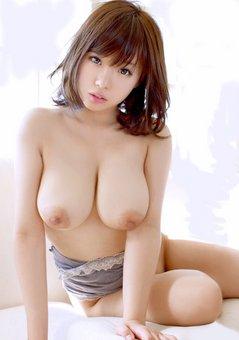 巨乳ハダカ美女#2