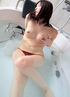風呂は全裸で
