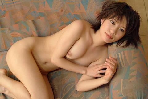 ベッドで全裸