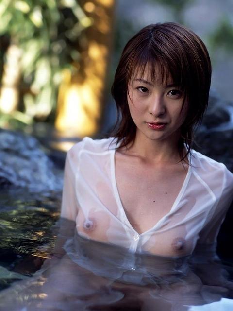 濡れ濡れの服